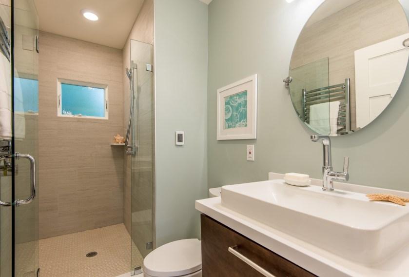 1429133730_017_Bathroom