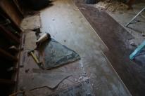 Demo Weird Flooring
